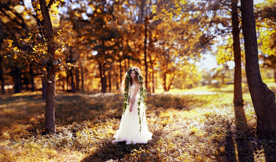 Photography by Joel Bedford; Brenizer Method Wedding Portrait; Enchanted Forest Bride;